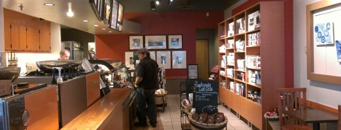 Starbucks is one of Lugares favoritos de Matthew.