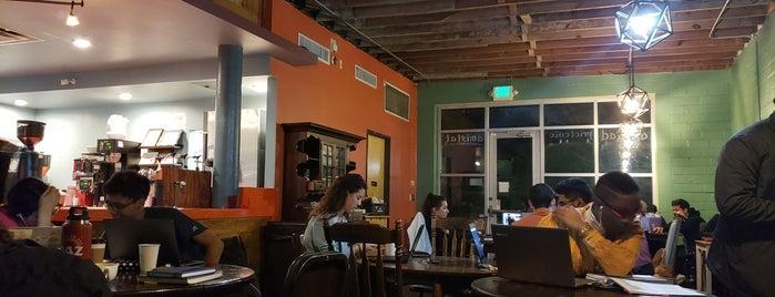 Bennu Coffee is one of Lieux qui ont plu à Matt.