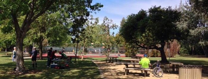 Peers Park is one of Tempat yang Disukai Veronika.