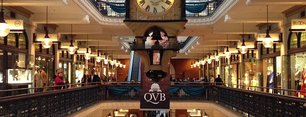 Queen Victoria Building (QVB) is one of Tempat yang Disukai Esteban.