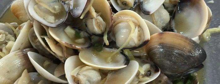 Ong Cheng Huat Seafood (王清发海鲜 - 椰脚) is one of Charlie'nin Kaydettiği Mekanlar.