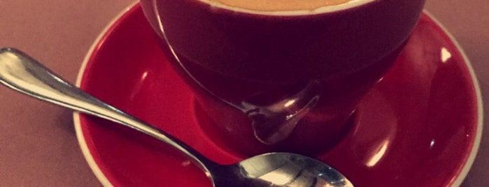 Cafe Beyritz is one of Tempat yang Disukai Kurt.