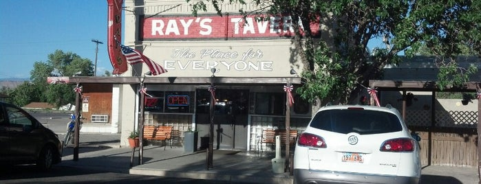 Ray's Tavern is one of Orte, die Jess gefallen.