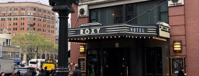 The Roxy Hotel Bar is one of Lugares favoritos de Amaury.