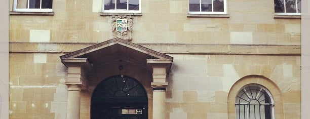 St. Peter's College is one of London Favorites.