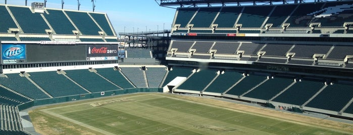 Lincoln Financial Field is one of jogos.