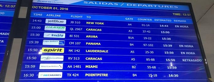 Aeropuerto Internacional Las Américas (SDQ) is one of Lugares favoritos de obLIViousM00d300.
