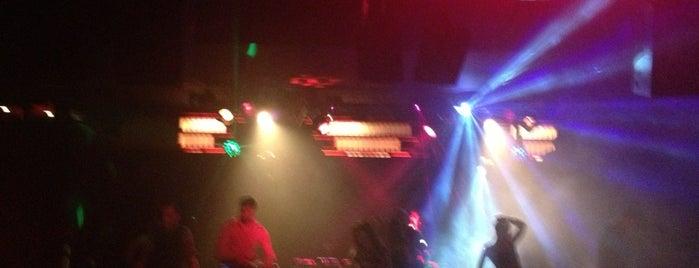 Sugar Nightclub is one of Chester'in Beğendiği Mekanlar.