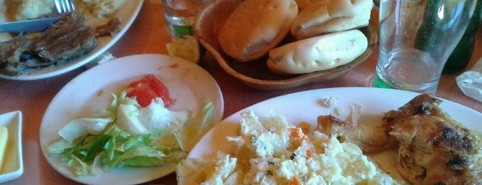 Restaurant BordeRio is one of Posti che sono piaciuti a Karen.