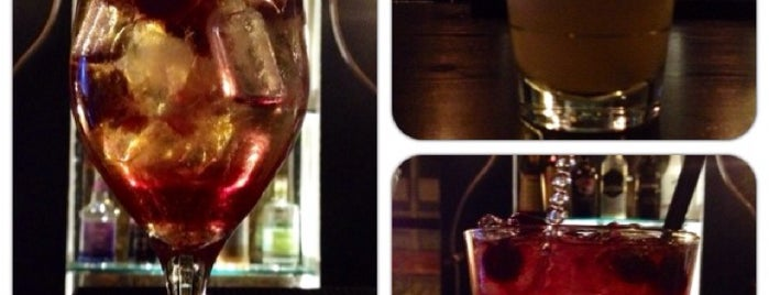 Vintage Sweet & Chic Bar is one of Zoiさんの保存済みスポット.