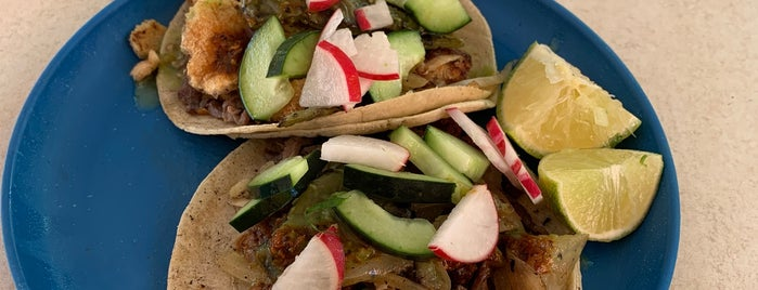 Tacos De Cecina Yecapixtla is one of Orte, die Miguel Angel gefallen.