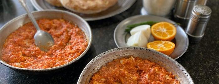 Valiasr Dizi & Breakfast | دیزی سرا و صبحانه ولیعصر is one of Posti salvati di Travelsbymary.
