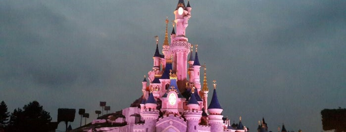 Disneyland® Paris is one of Nens - Niños.