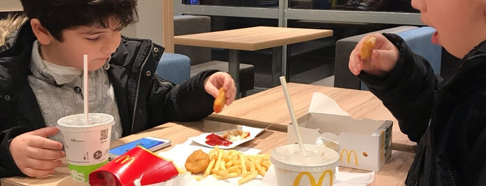 McDonald's is one of Locais salvos de N..