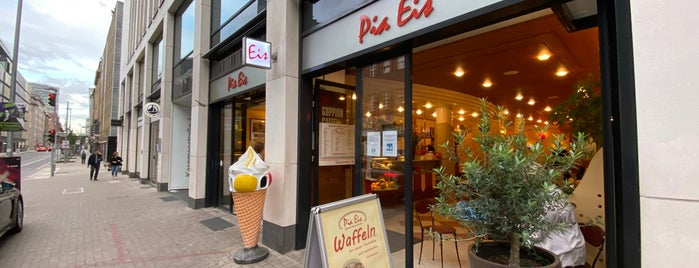 Eis-Café Pia is one of Carlos Alberto 님이 좋아한 장소.