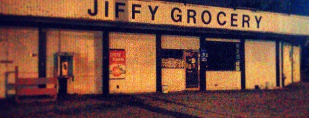 Jiffy Grocery is one of สถานที่ที่บันทึกไว้ของ Lindsay.