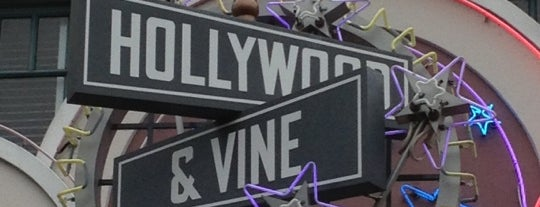 Hollywood & Vine is one of Posti che sono piaciuti a Victoria.