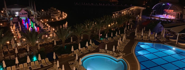 Orange Count Resort Hotel Alanya is one of Raster Elektronik'in Beğendiği Mekanlar.