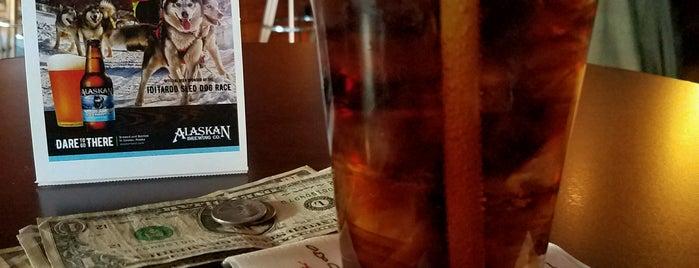 Reilly's Irish Pub is one of Locais curtidos por Maria.