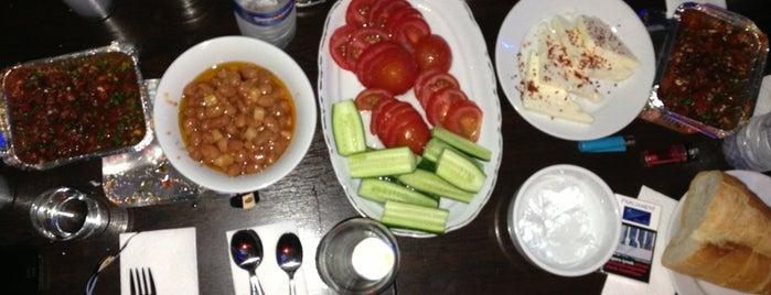 Pasiba Cafe & Restaurant is one of สถานที่ที่ Onur ถูกใจ.
