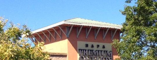 Napa Premium Outlets is one of Posti che sono piaciuti a Jamie.