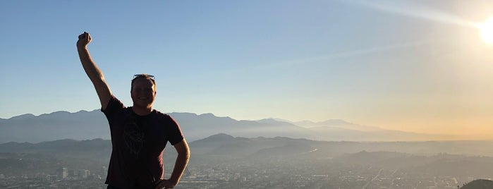 Dante's Peak is one of สถานที่ที่ Michael ถูกใจ.