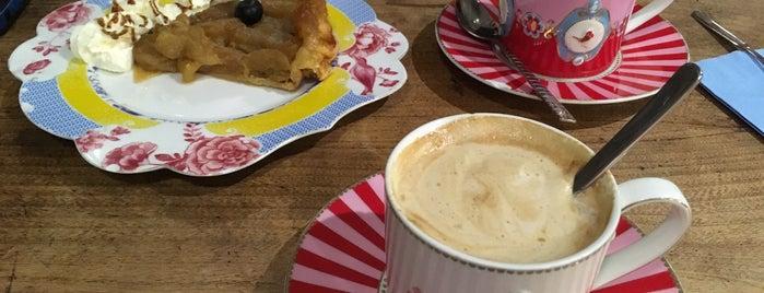 Pudding Coffee Shop is one of Lugares favoritos de Midietavegana.