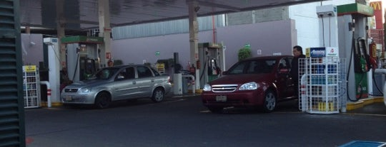 Gasolinera Tlalpan is one of Posti che sono piaciuti a R.