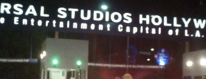 "Universal Studios Commissary - ""Universal Cafe"" is one of Posti che sono piaciuti a Jayzen."