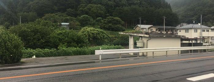 花原市駅 is one of JR 키타토호쿠지방역 (JR 北東北地方の駅).