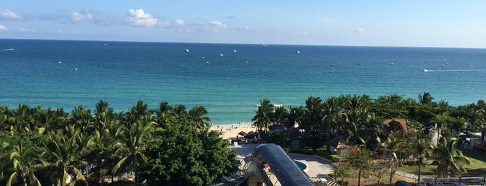 Sanya Pearl Sea View Hotel is one of Locais curtidos por Finwe.