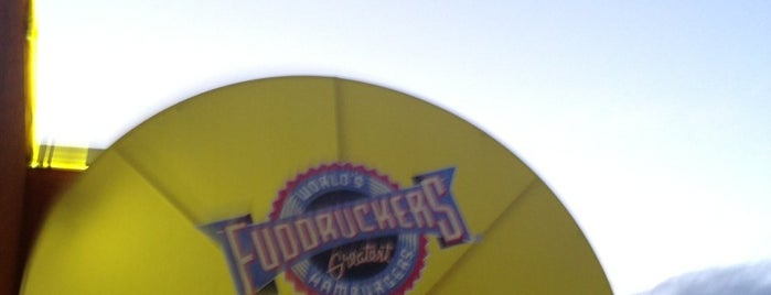 Fuddruckers is one of Jessicaさんのお気に入りスポット.