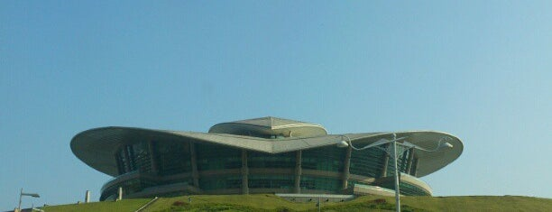 Putrajaya International Convention Centre (PICC) is one of Mauricio'nun Beğendiği Mekanlar.