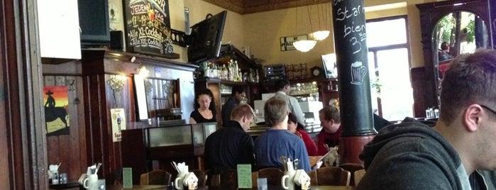 Leo's Lounge is one of Locais salvos de Andreas.