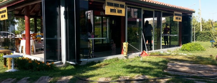 Yunus Emre Parkı Butik Kafe is one of Posti che sono piaciuti a Nurten.