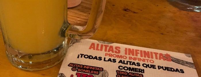 Alitas Infinitas is one of Lugares favoritos de Andras.