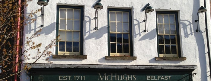 McHugh's Bar & Restaurant is one of Locais salvos de Steven.