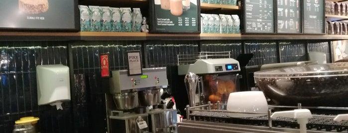 Starbucks is one of Lugares favoritos de Ekrem.