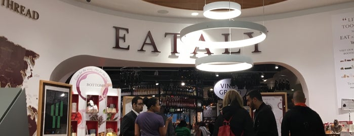 Eataly Downtown is one of Orte, die Amanda gefallen.