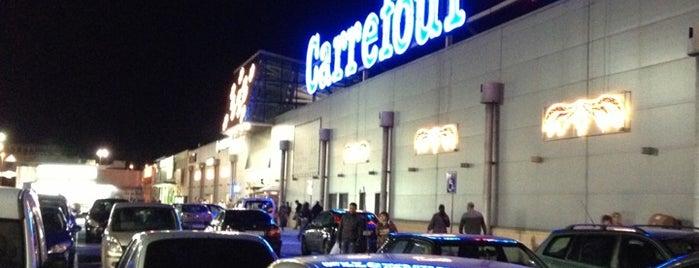 Carrefour is one of Tempat yang Disukai Jose Luis.