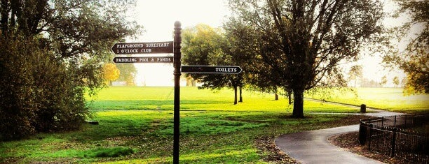 Brockwell Park is one of London.