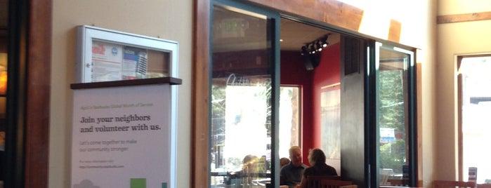 Starbucks is one of Tempat yang Disukai Jennifer.