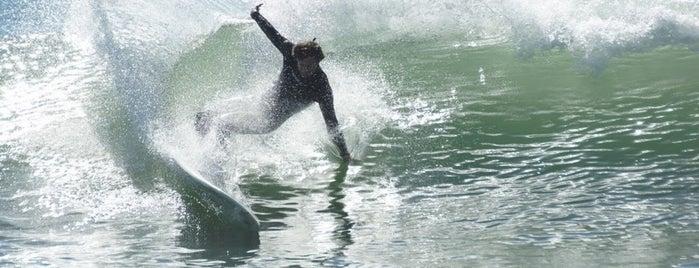 Trestles Beach is one of Scott'un Beğendiği Mekanlar.