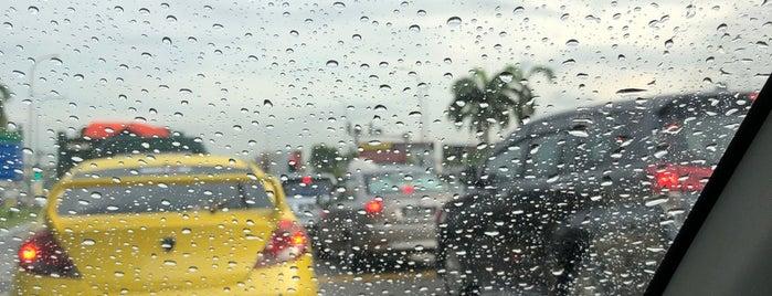 Traffic Light 199 Bapak Lamaa is one of Posti che sono piaciuti a Rahmat.