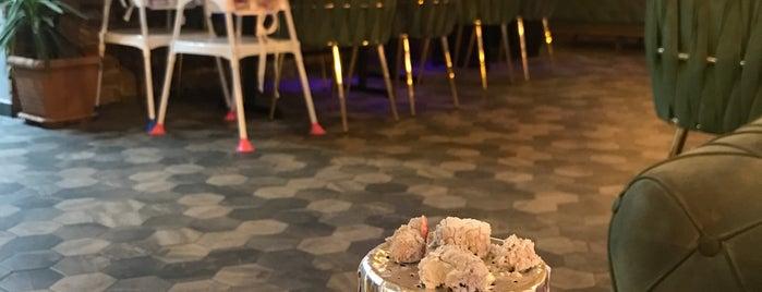 Saqqara Cafe Restaurant Hookah is one of Fatih.