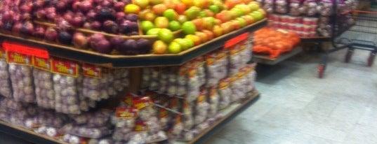 Sonda Supermercados is one of Tempat yang Disukai Coimbra.