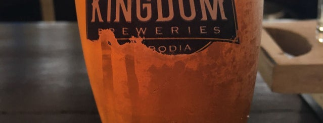 Kingdom Breweries Phnom Penh is one of Posti che sono piaciuti a Chuck.