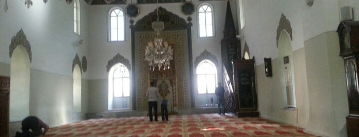 Gazi Orhan Camii is one of Wafaa-2013 님이 저장한 장소.