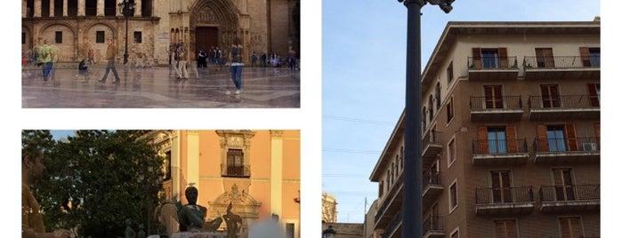 Plaza de la Virgen is one of Valencia.
