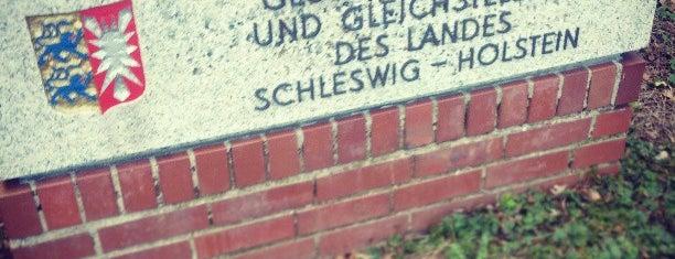 Ministerium für Arbeit Soziales und Gesundheit is one of สถานที่ที่ Sven ถูกใจ.